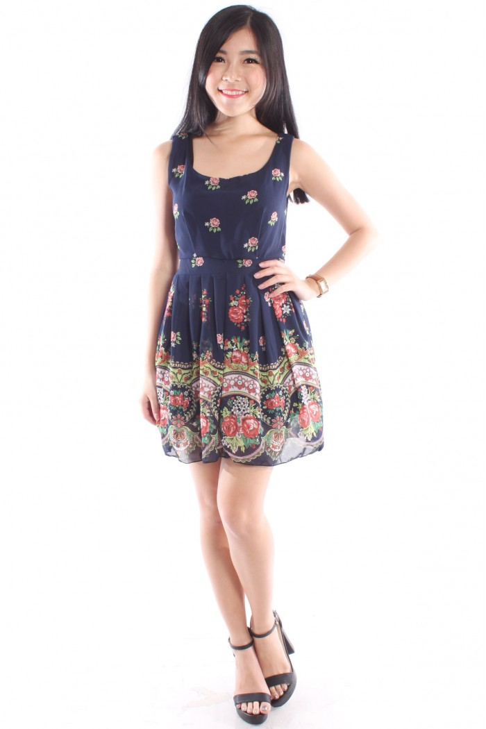 Floral Pleated Dress The Label Junkie