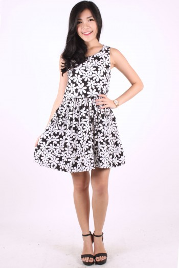 Daisy Print Monochrome Dress