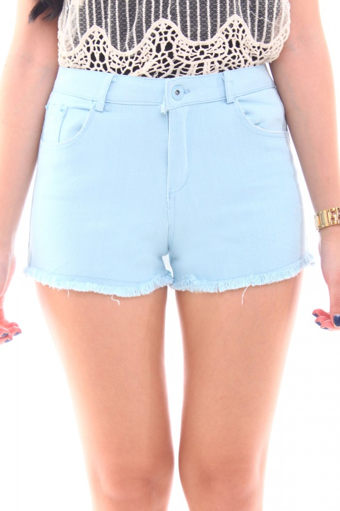 How to Wear Colorful Shorts