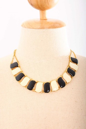 Lacquered Geometric Necklace